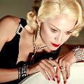 Мадонна требует вертолёт, вегетарианскую кухню и новый унитаз каждый день